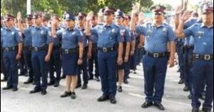 Dalawang pulis, nagtulong magpaanak ng buntis sa loob ng mobile patrol