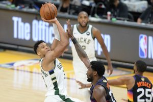 Bucks get back on track, eclipsed Suns in Game 3