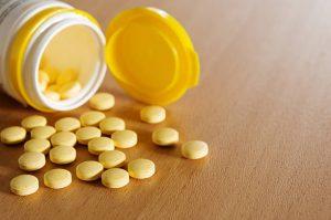 Mga umiinom ng di-rehistradong produkto ng Vitamin C, pinag-iingat ng FDA