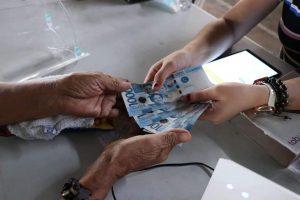 Pamamahagi ng ayuda sa mga taga-Metro Manila, nakumpleto na – DILG