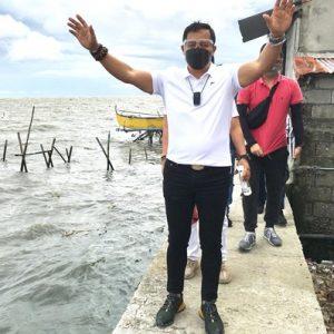 """Typhoon """"Fabian"""" victims get aid in Bulacan"""