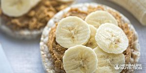 Craving for snacks before and after a workout? Here's some  healthy snacking tips