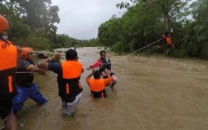 15 national road, sarado dahil sa bagyong Maring, Nando